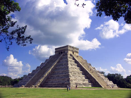 Mayan temple at Chichen Itza